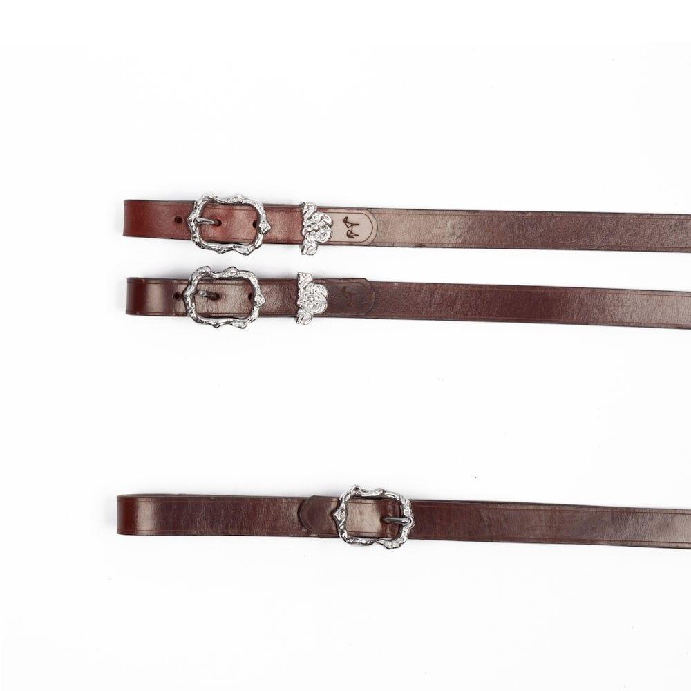Zügel im barocken Stil aus braunem Leder mit silbernen Cortesia Schnallen bei Picadera
