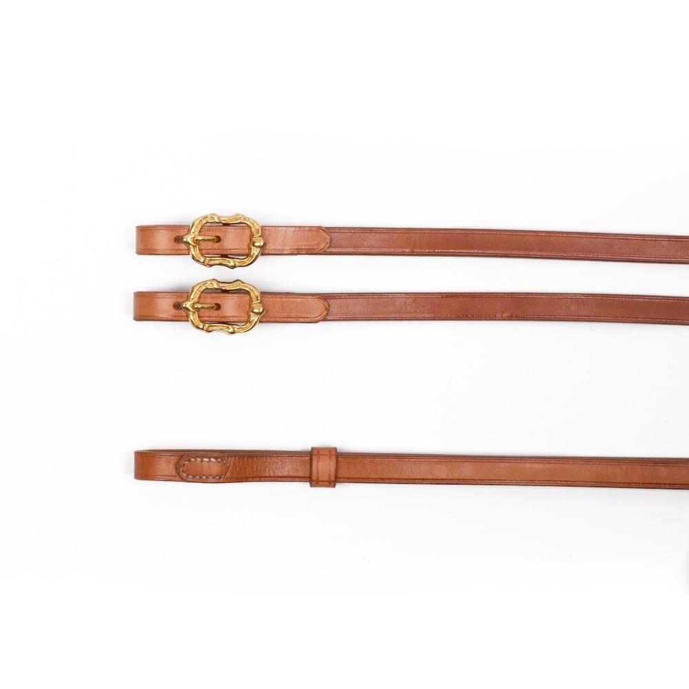 Barocke Zügel aus naturfarbenem Leder mit goldenen Cortesia Schnallen bei Picadera